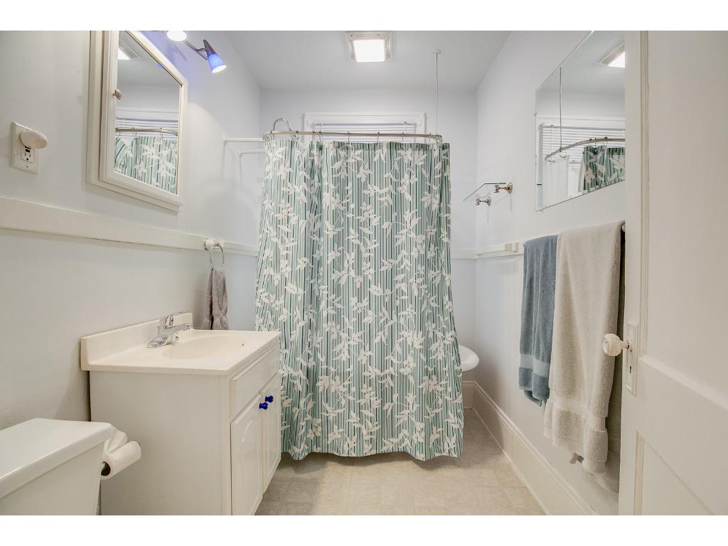 Charming main floor full bath!