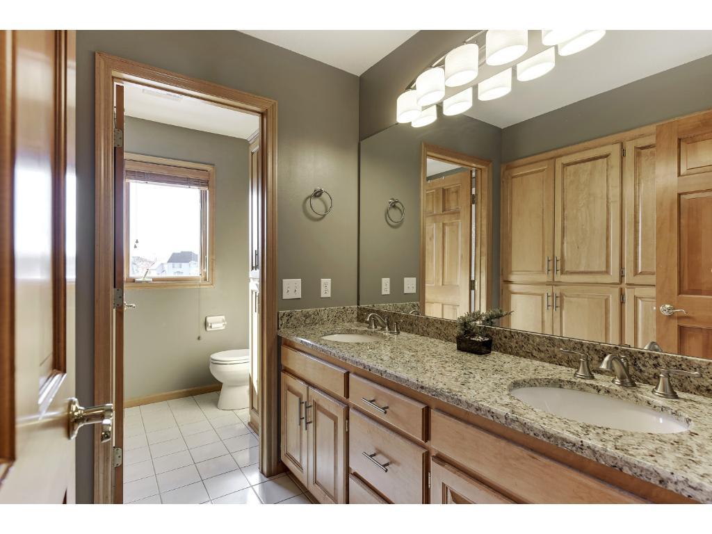 Granite master bath suite