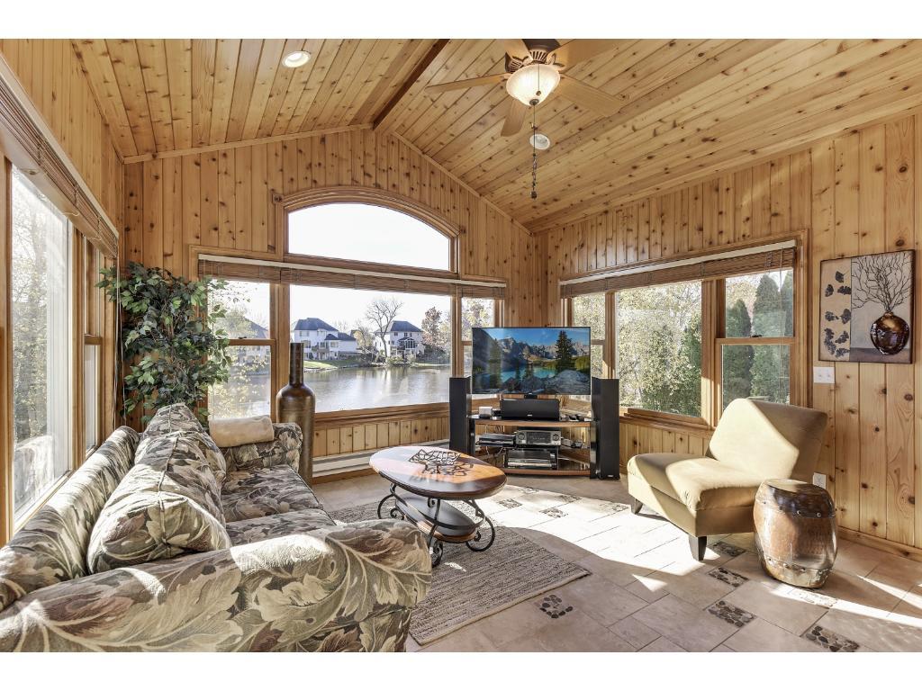 4 season porch w/ heated floors