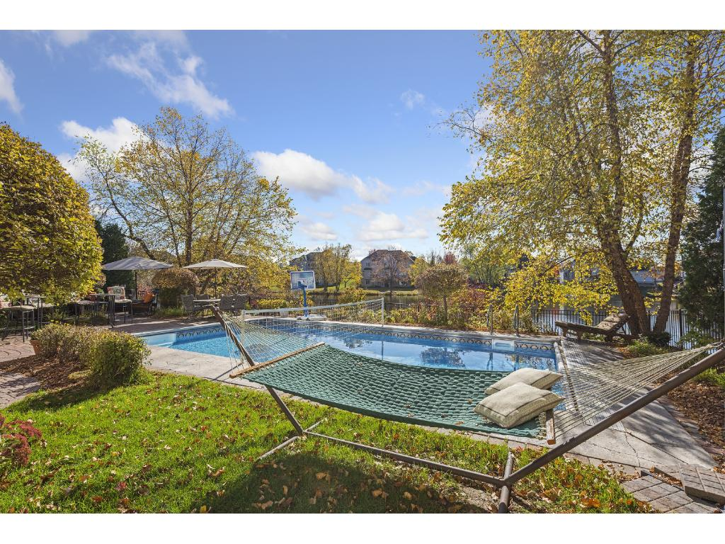 Gorgeous Pool & great seating areas for more entertaining.