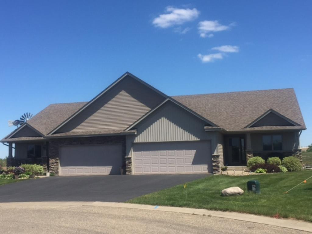 1704 ducktail court new richmond wi 54017 mls 4718024 edina realty. Black Bedroom Furniture Sets. Home Design Ideas
