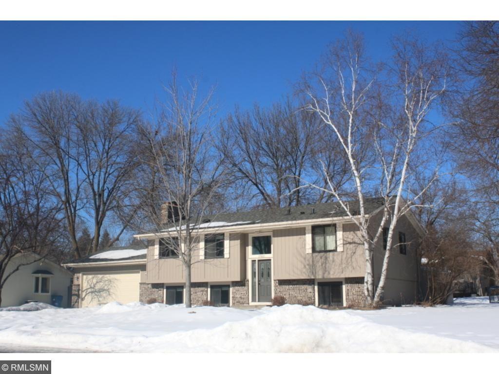 17300 Barberry Circle, Eden Prairie, MN 55346 | MLS: 4908760 | Edina ...