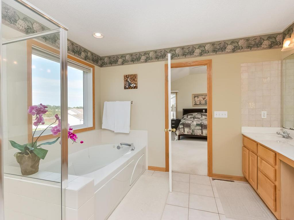 Lovely master bath with separate shower and jetted tub.