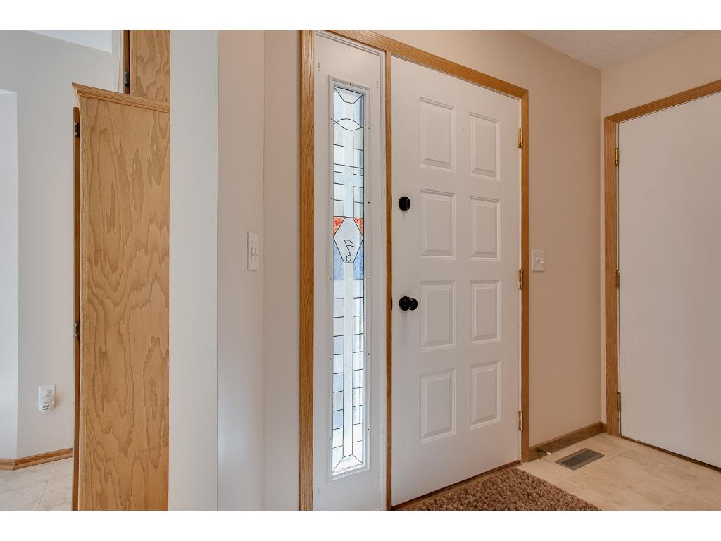Tile entry with large closet
