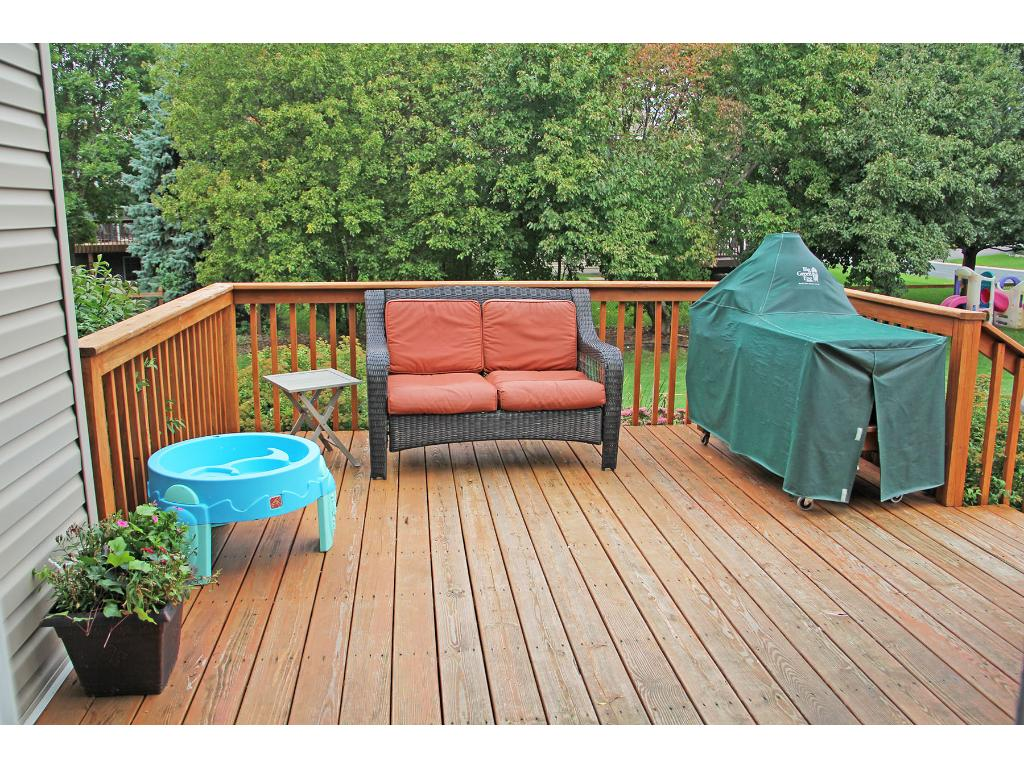 Deck of the dining room overlooking the backyard!   Easy access to the grill and perfect for entertaining.