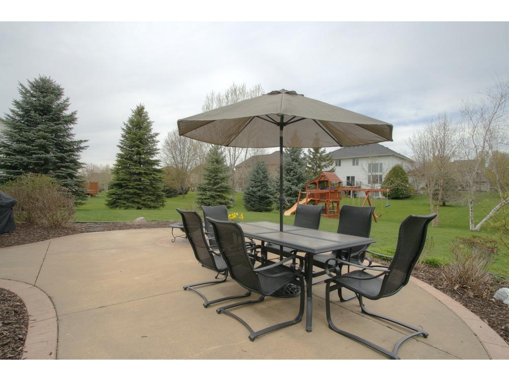 Awesome 17785 Hickory Trail Lakeville Mn 55044 Mls 4824178 Edina Realty . Hickory  Fireplace And Patio ...