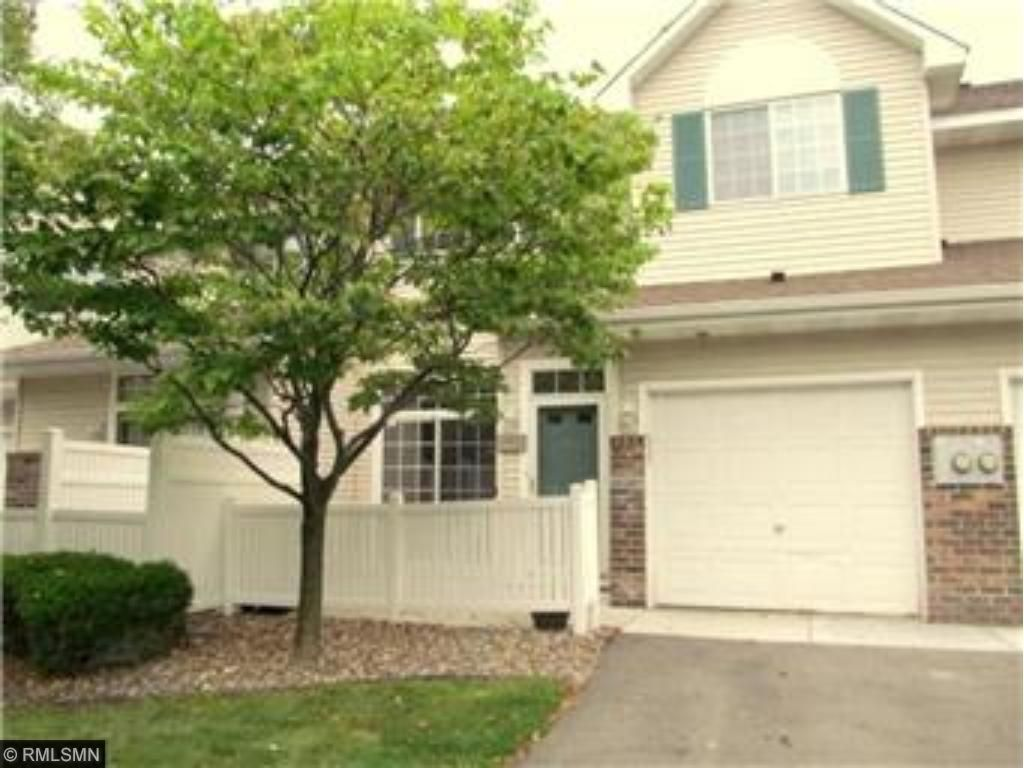 ** SHARP/CLEAN TOWNHOME OUTSTANDING LOCATION W/ EZ ACCESS TO HWY 212/DELL RD AREA
