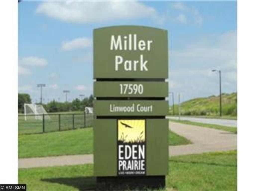 HUGE PARK & TRAILS FROM UNIT AROUND THE LAKE TO PLENTY OF SPORT / KIDS ACTIVITIES