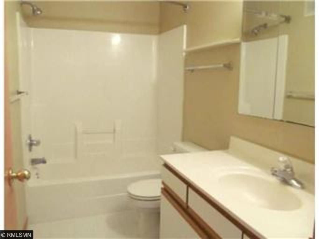 FULL SIZE BATH OFF MASTER SPACE