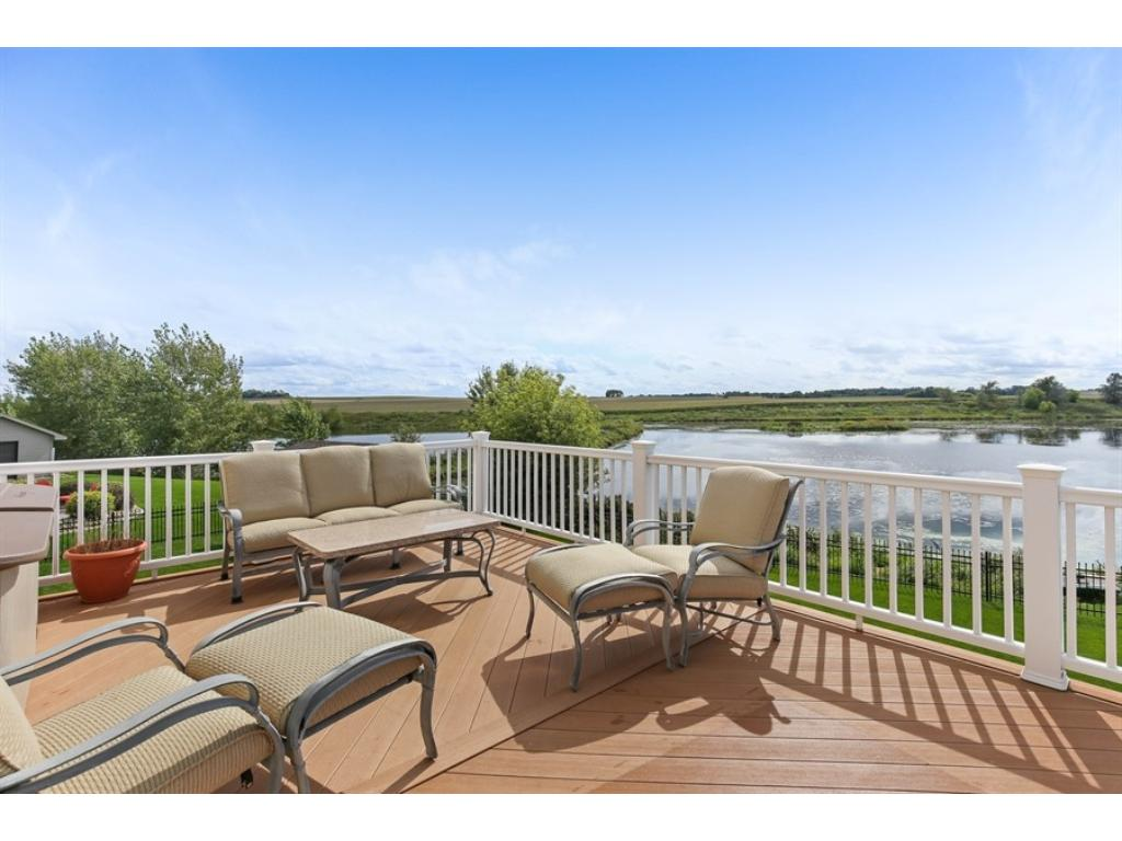 Maintenance-free, 23x15 deck with a view to die for!