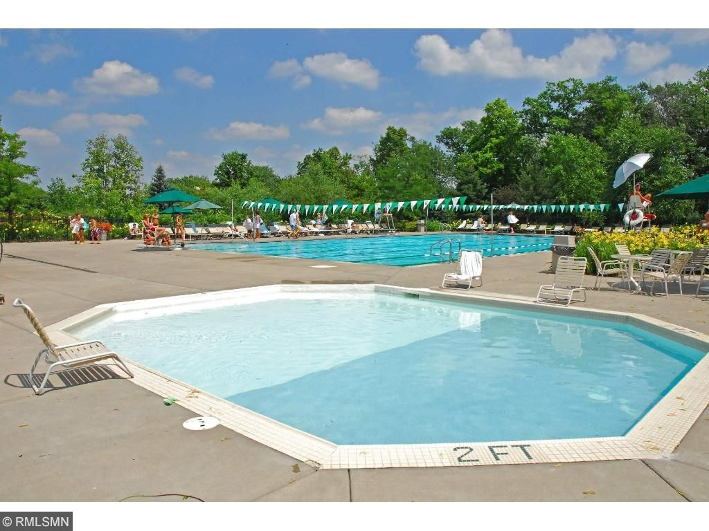 Clubhouse activities include golf leagues, themed brunches, family activities, and a huge pool.