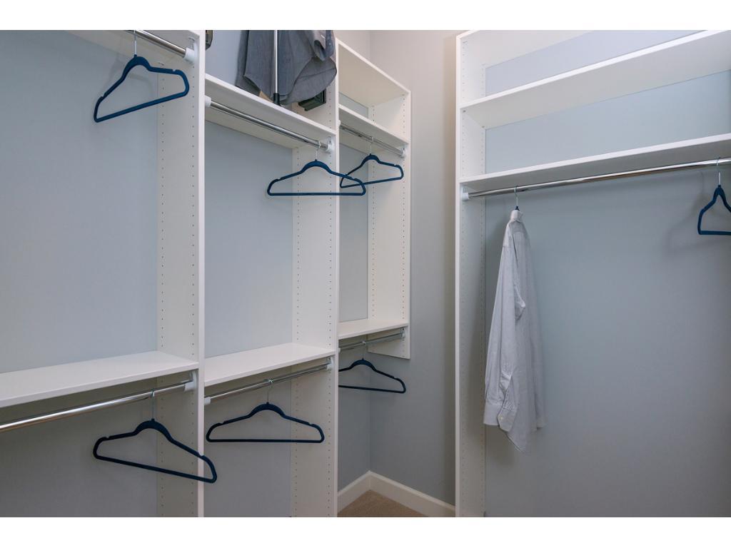 Component style closet orgainizers