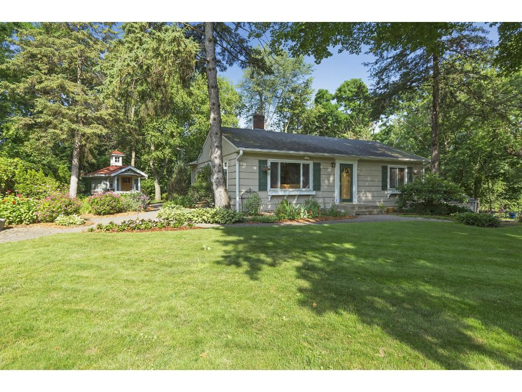 Waterfront Homes for Sale in Deephaven, MN - realtor.com®