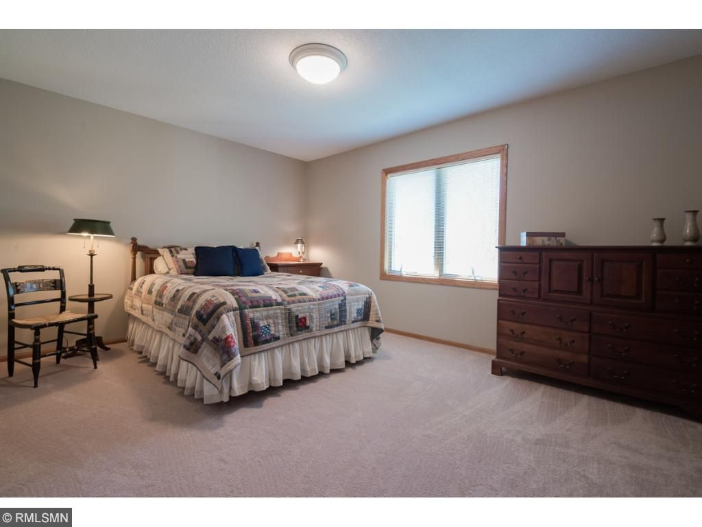 The upper level is host to 4 bedrooms, all very generous in size and perfect for the family.