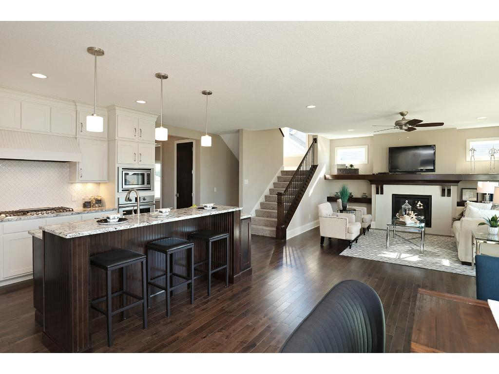 Bright Open Floor Plan~ Ideal living spaces for large gatherings and relaxing