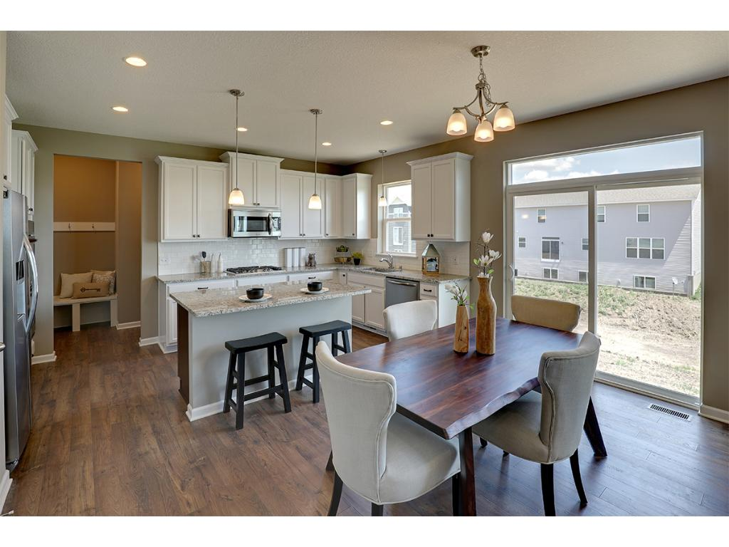Beautiful, Bright And Open Kitchen. Flows Easily Into The Dining Space For  Easy Meal