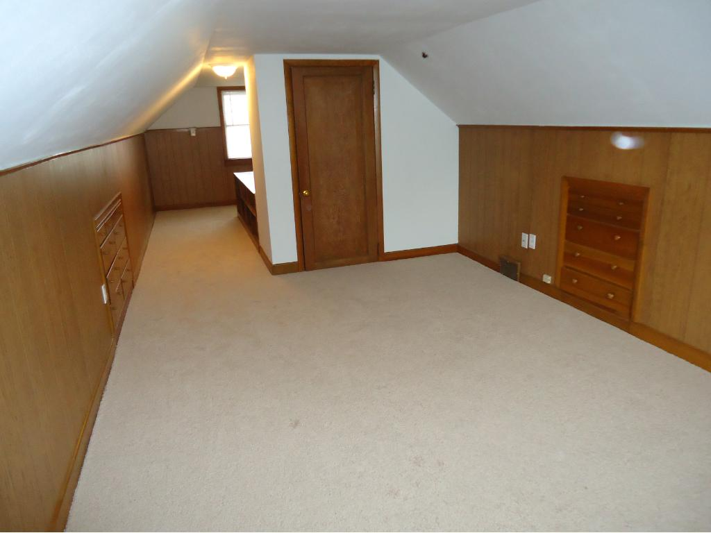 THE 3RD BEDROOM HAS BUILT-IN DRAWERS AND CLOSET.