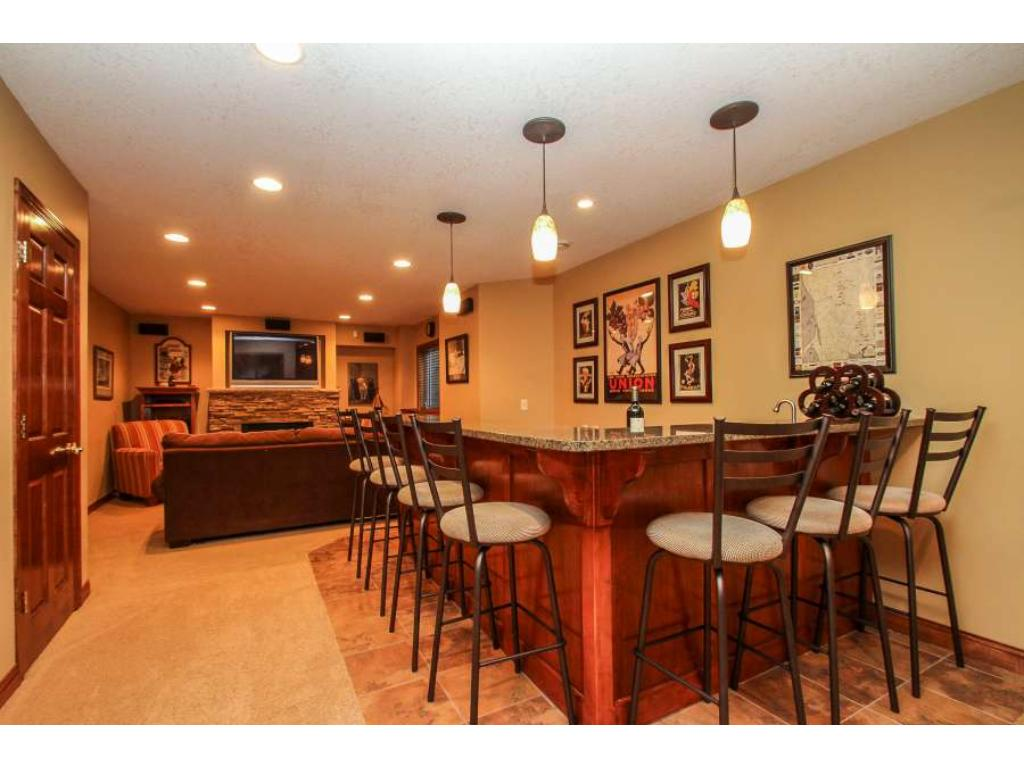 Just the perfect space for family gatherings and entertaining!