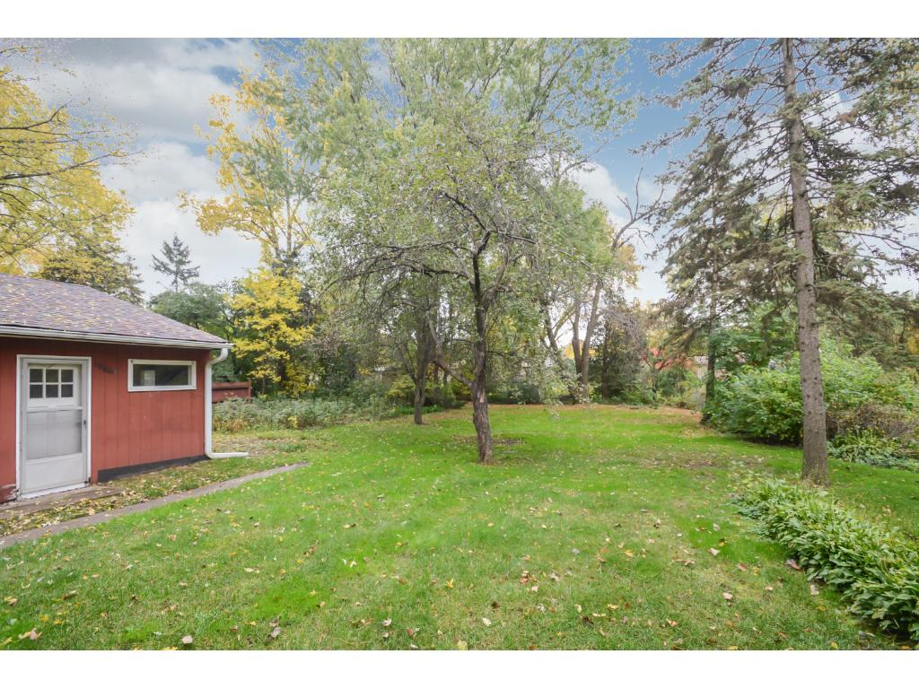 1966 Eldridge Ave W, RosevilleHuge lot and back yard you will love.
