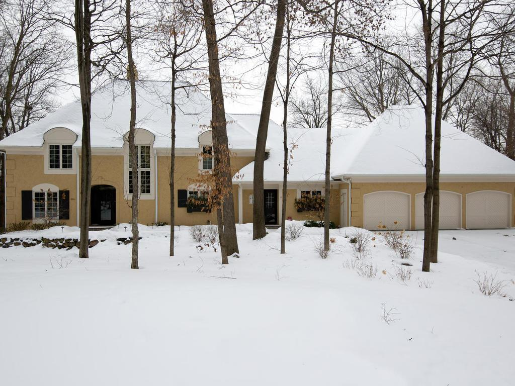 muirfield circle shorewood mn mls edina one of a kind executive home on large lot surrounded by mature trees