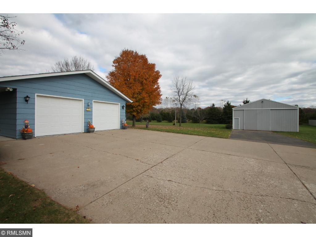 "26 x 24 garage with epoxy floor.  Pole building has 6"" concrete floor."