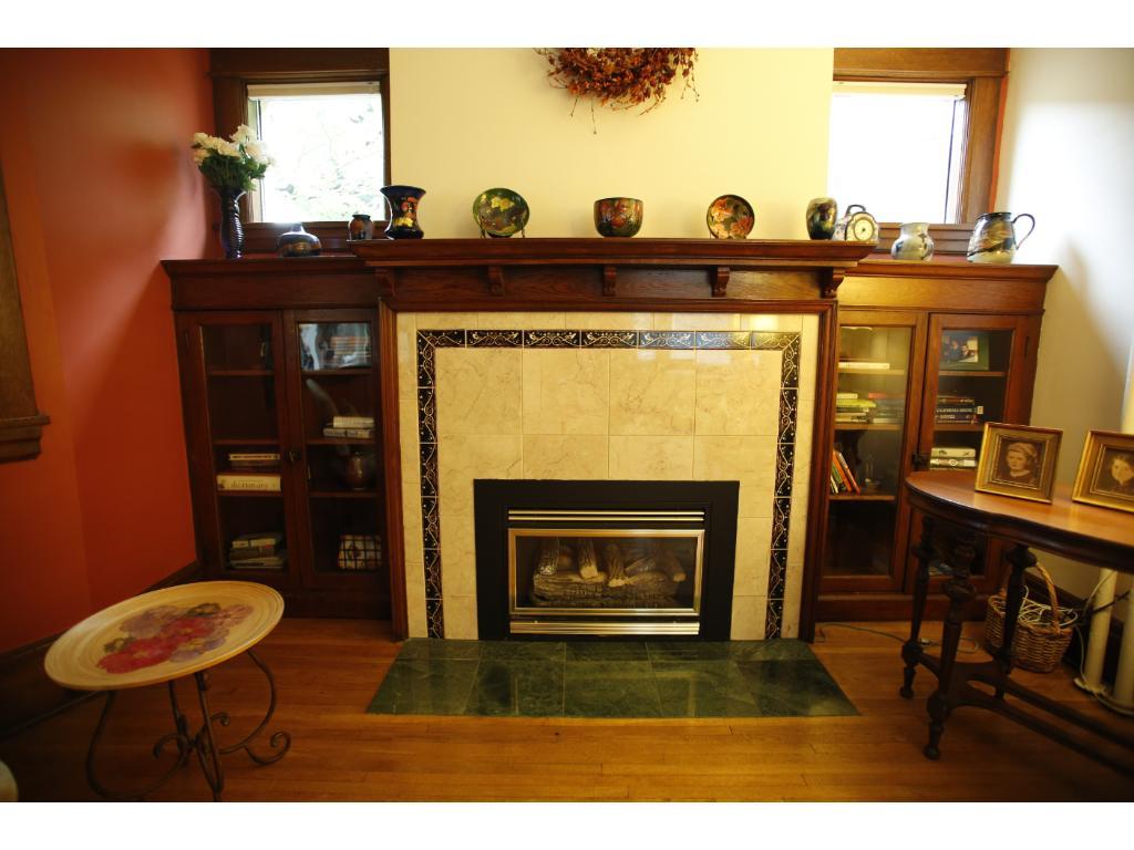 Very cozy gas fireplace
