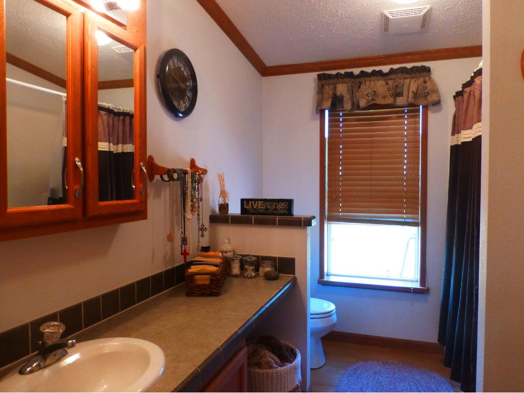 2nd Full Bathroom shared by Bedroom 2 & 3