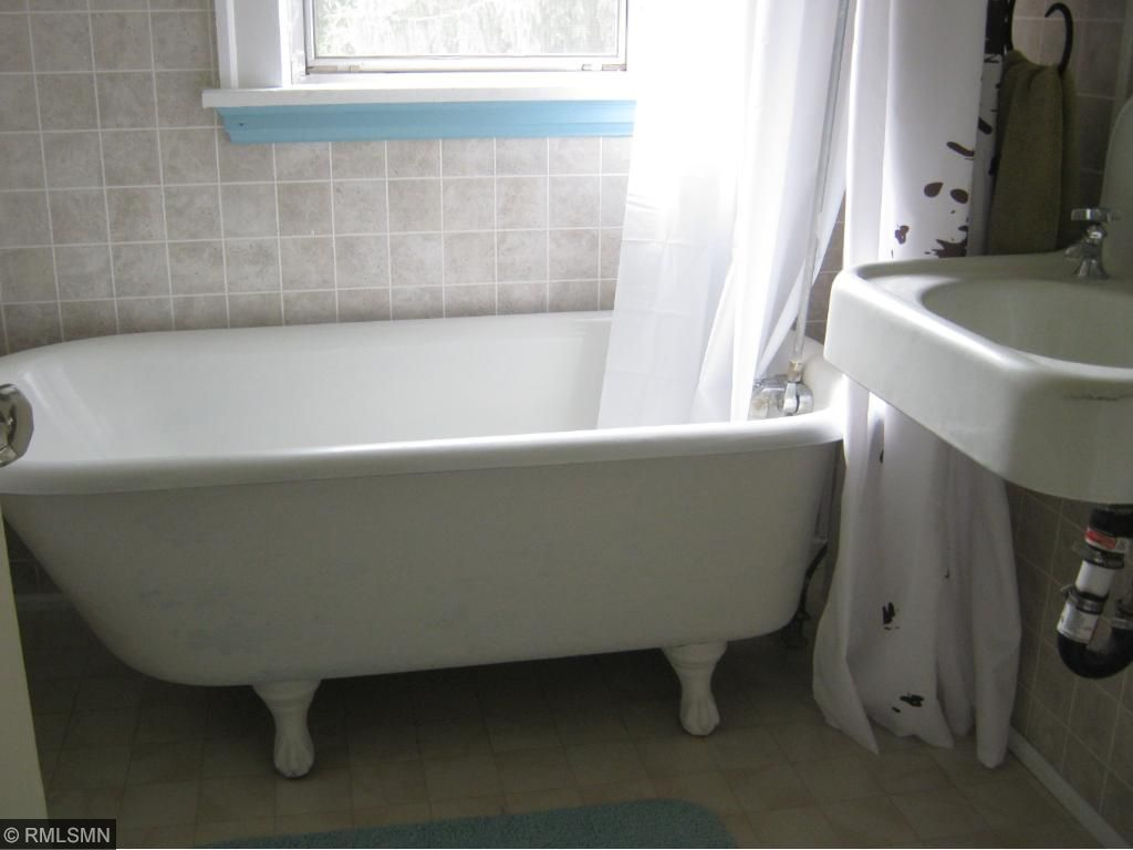 MF bath with claw foot tub with shower
