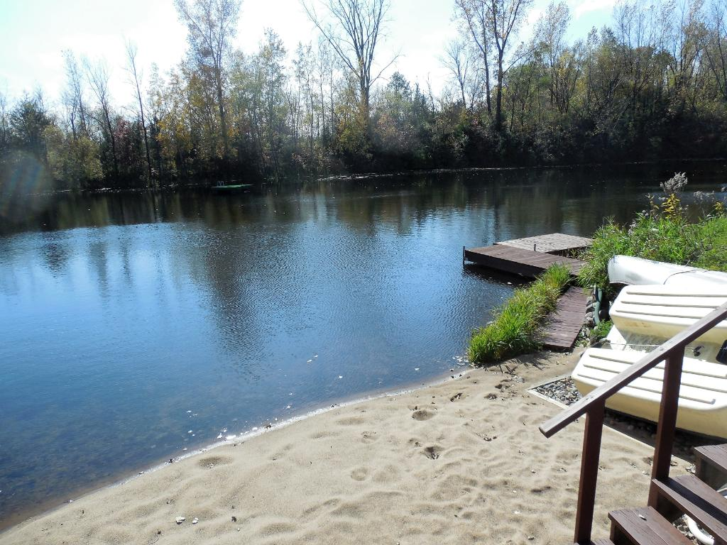 The sand Beach with dock offers canoeing and fishing.