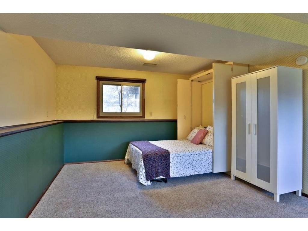 4th bedroom with a murphy bed!