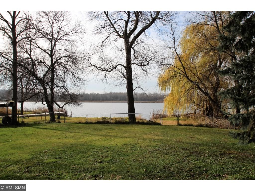 The amazing level lot is sure to please young and old alike, with it's easy lake access and great places to play catch and other yard games! The lot is pie shaped, with 42 feet of lakeshore and 96 feet road side.