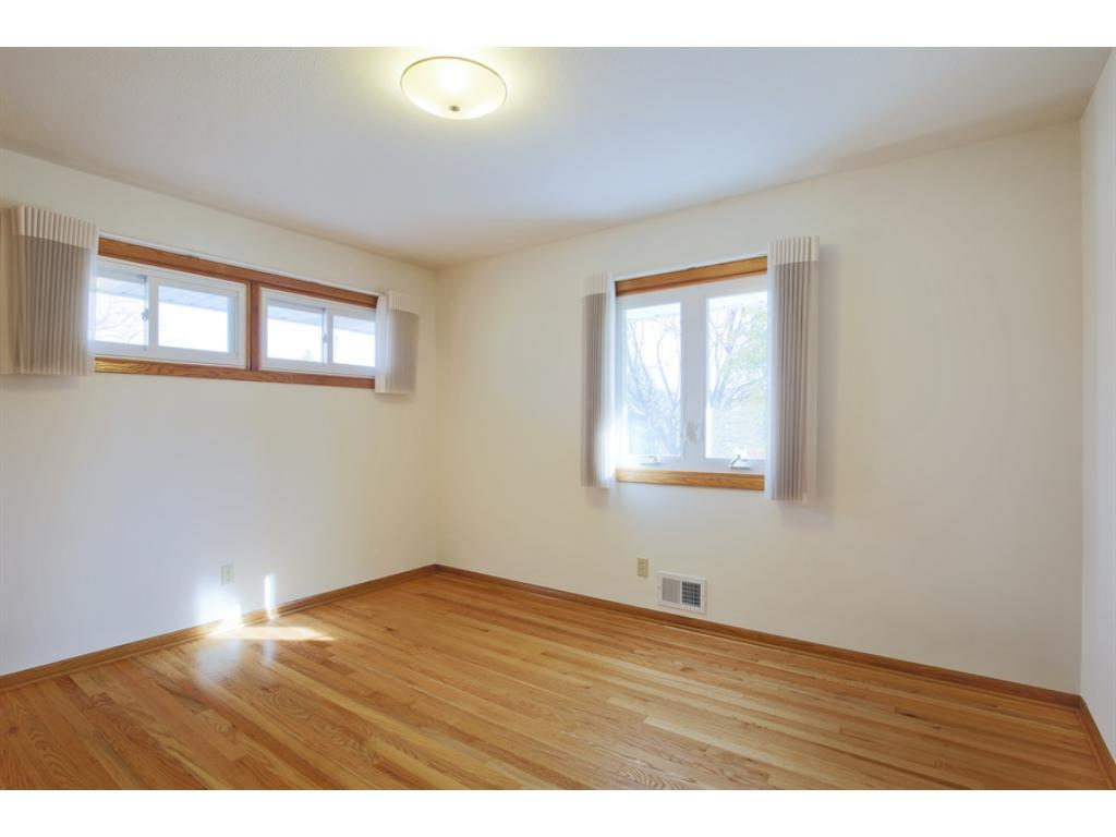 2nd bedroom with lots of light!