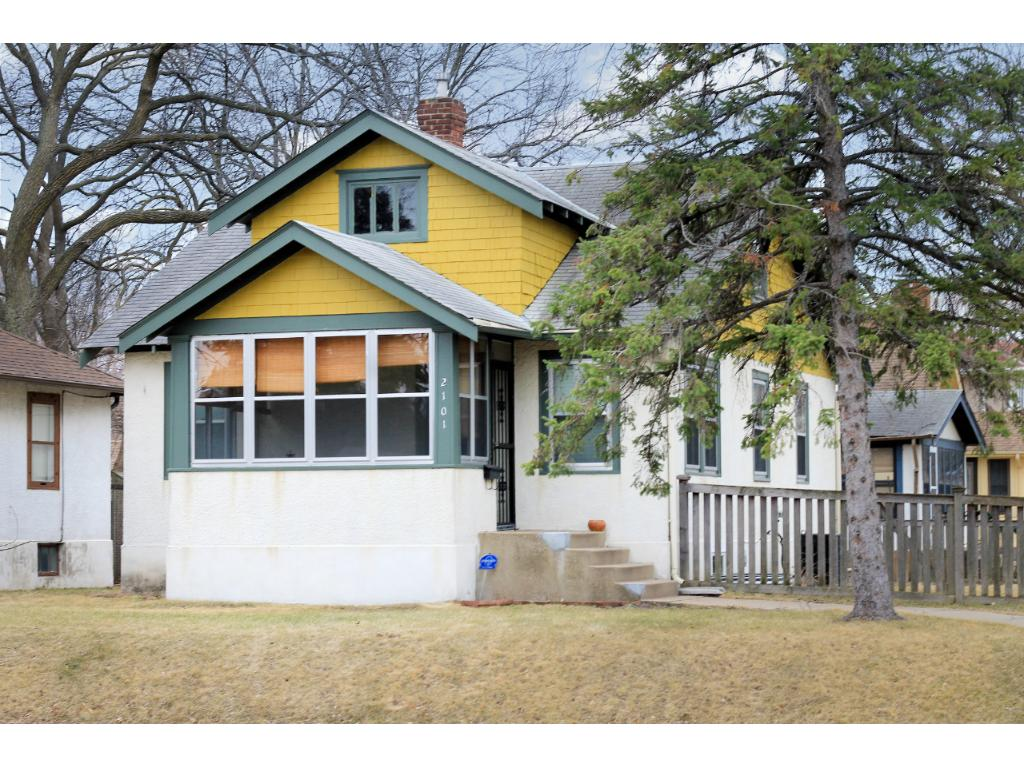 2101 e 38th street minneapolis mn 55407 mls 4807641 edina one story home with a 3 season porch 3 bedrooms and a bright nice corner