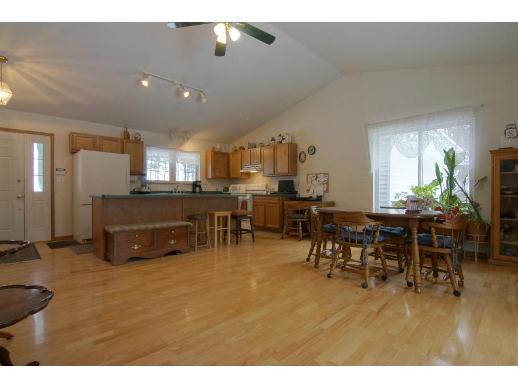 2102 160th avenue new richmond wi 54017 mls 4785902 edina realty. Black Bedroom Furniture Sets. Home Design Ideas