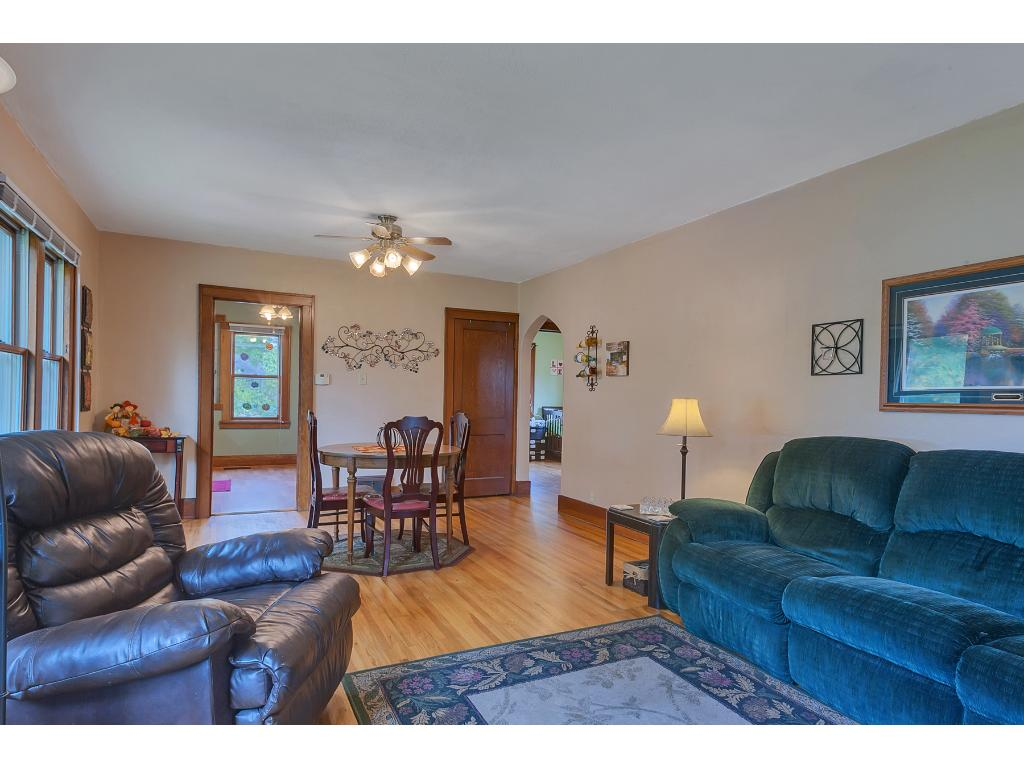 Open and spacious living room for the family to enjoy.