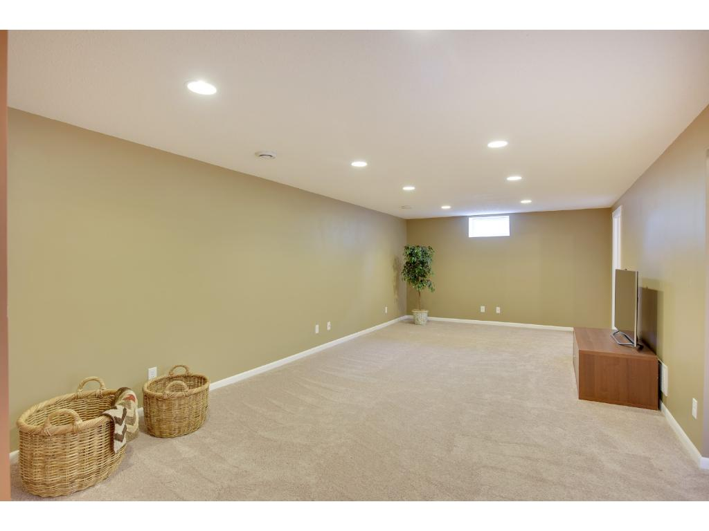 Oversized Family Room ready for your friends and family - football games will be fun here!