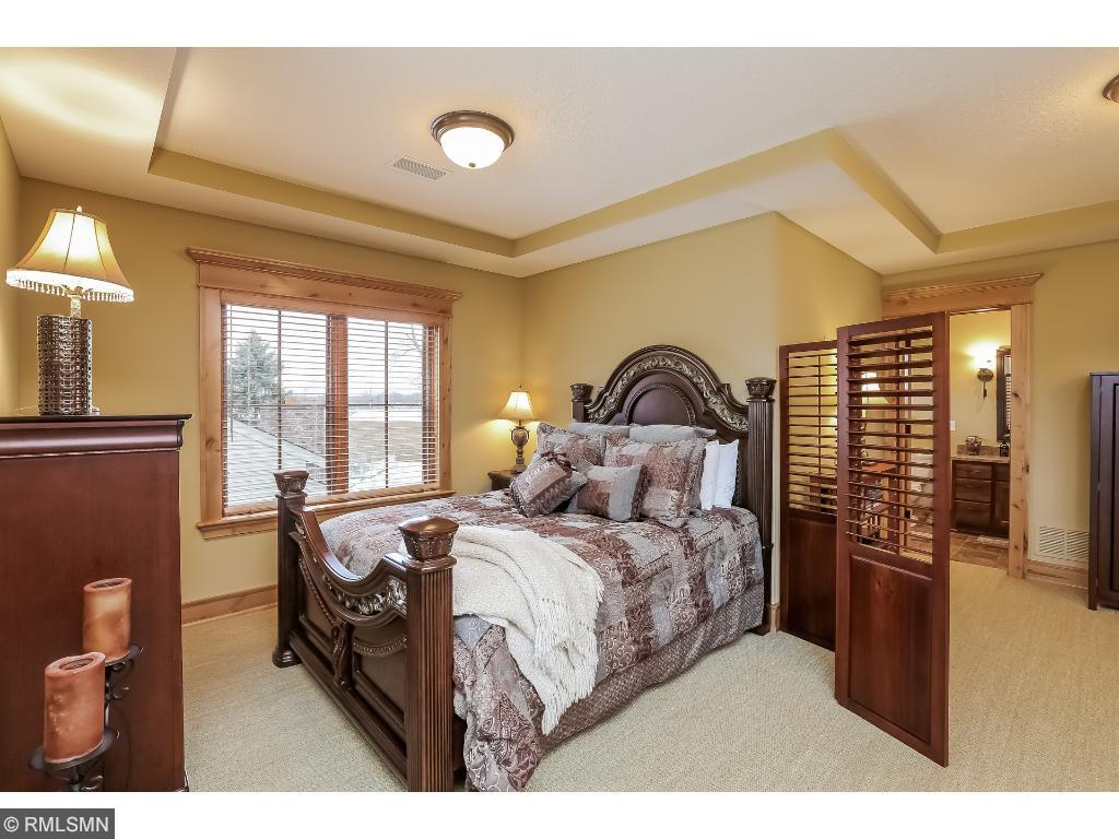 Bonus room with huge area for bedroom and sitting area. Private bath and coved ceilings with mechanical blinds.