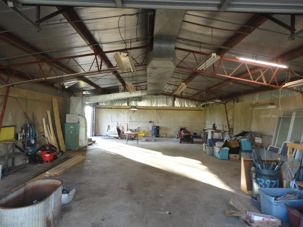 Great insulated shop. Lots of room to make your projects come together.