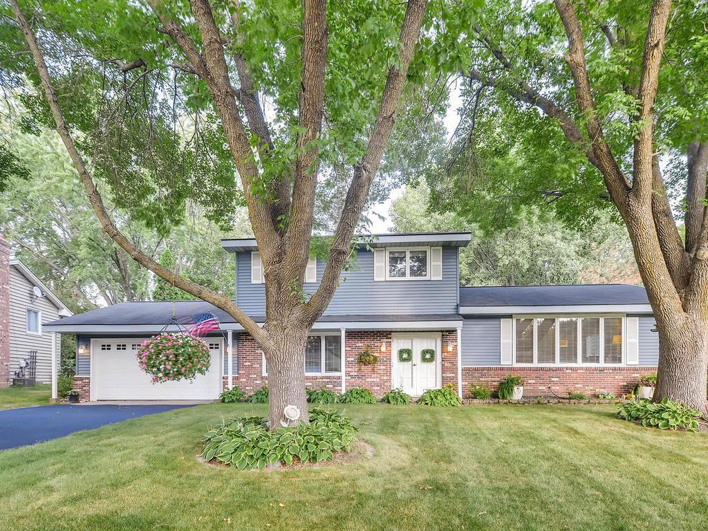 2265 Queens Drive Woodbury MN 55125 4990678 image1