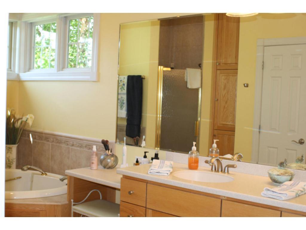 Master bath in master suite