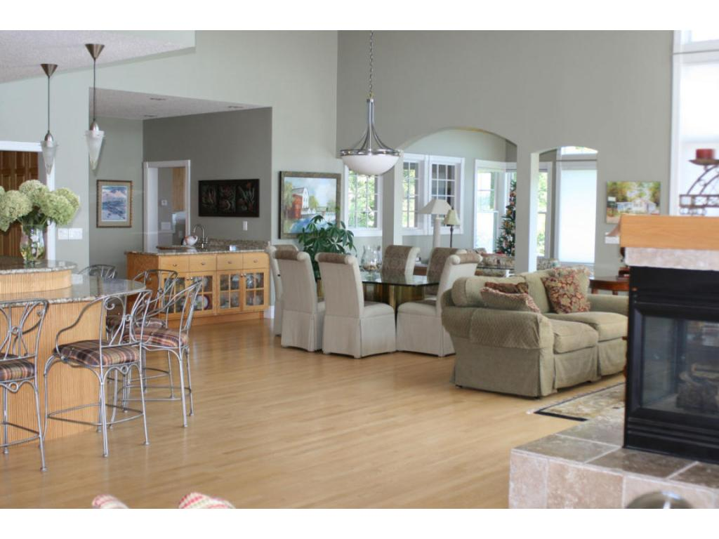 Open Living Area, vaulted ceilings