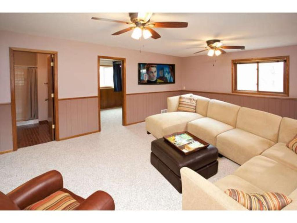 An additional Bonus Room is located in the Lower Level could be a 5th Bedroom, office, or playroom