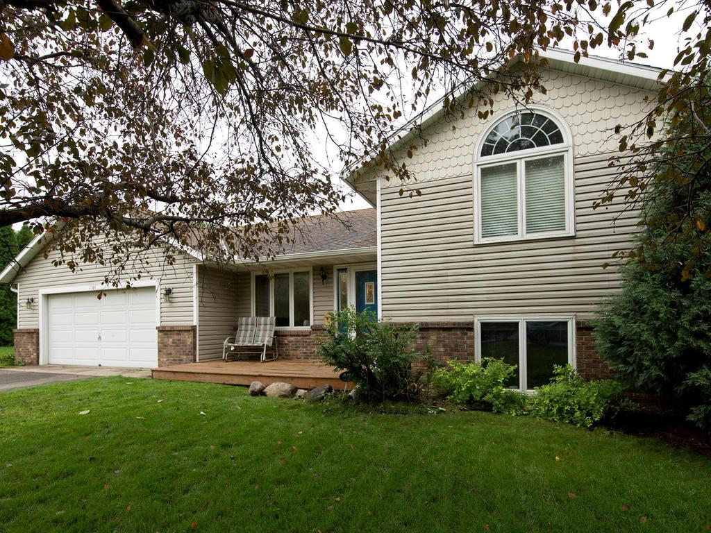 Nicely updated home in very convenient location. Close to shopping, restaurants, easy commuting. Built in 1989, 3 bdrm, 2 bath.