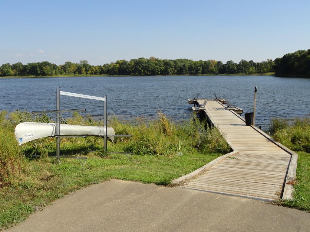 Neighborhood fishing pier on Twin Lake