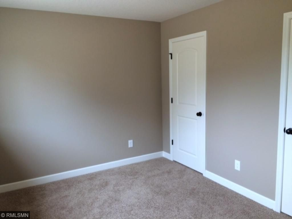LL (5th) bedroom. features his/hers closet. Lookout elevation.