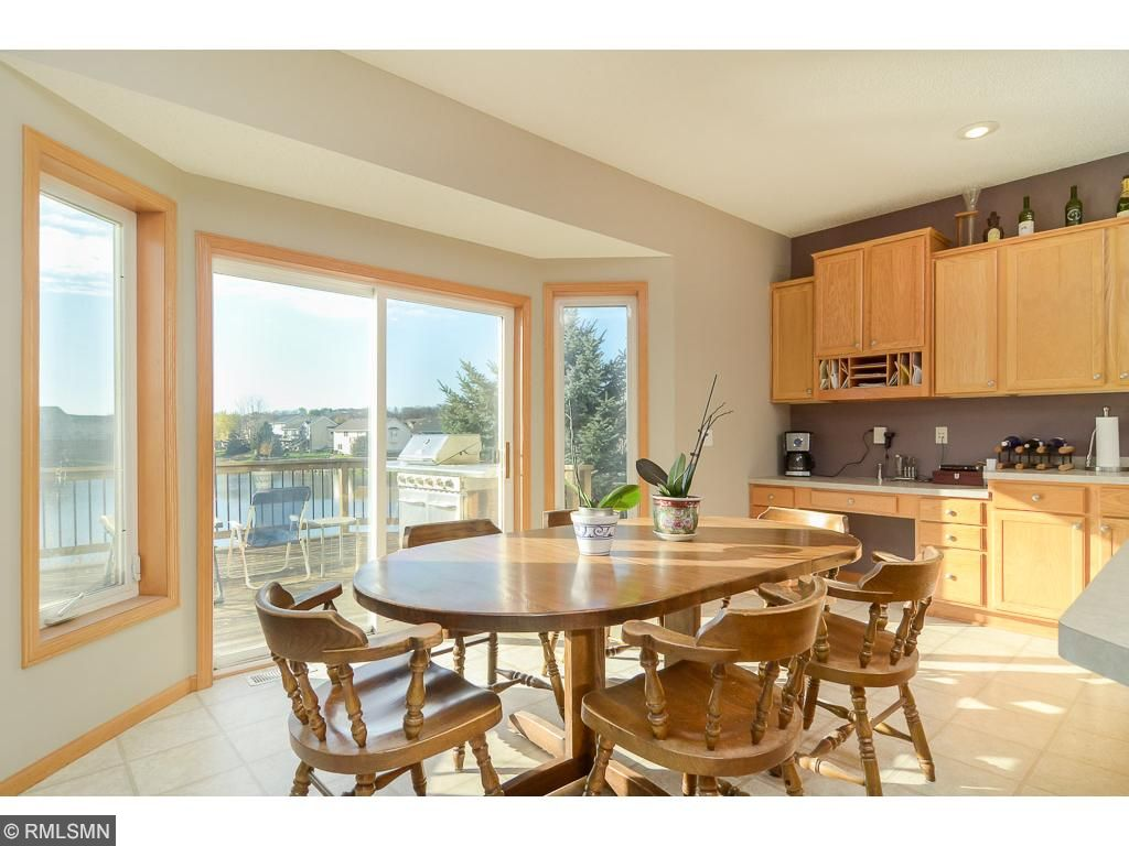 Open Concept is perfect for any entertaining!