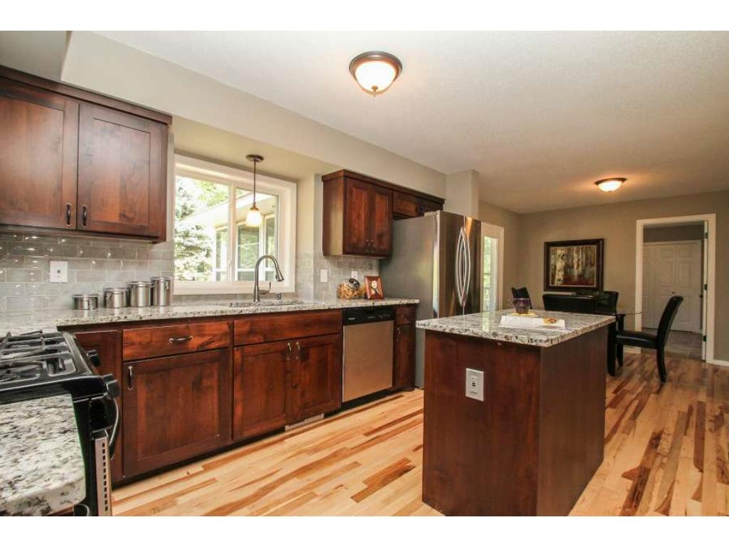 Gorgeous kitchen with granite counters
