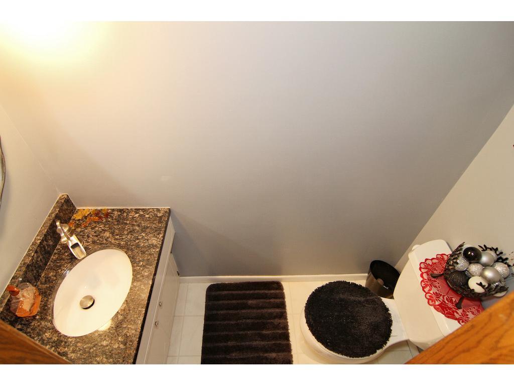 Main floor powder bath, perfect for guest.