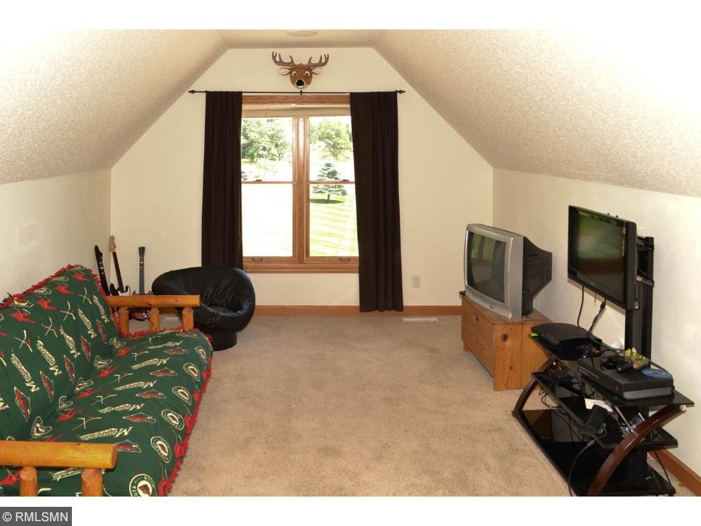 Bedroom / bonus room above the garage.