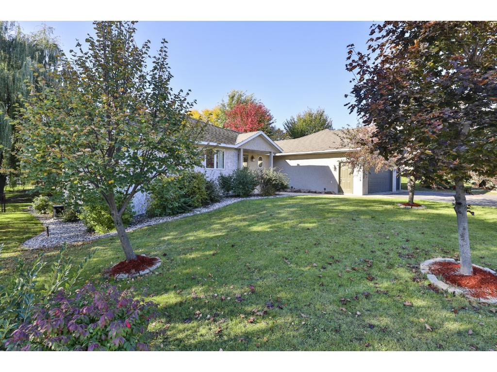 Lovely One Story in quaint, convenient neighborhood! Centrally located near good schools, shopping!